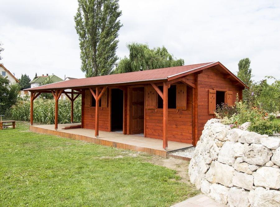 Korondi Árcsó, Románia, Korond - faházak, köztéri bútorok, nyílászárók gyártása