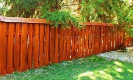 Pécsen fém és fa kerítés készítése