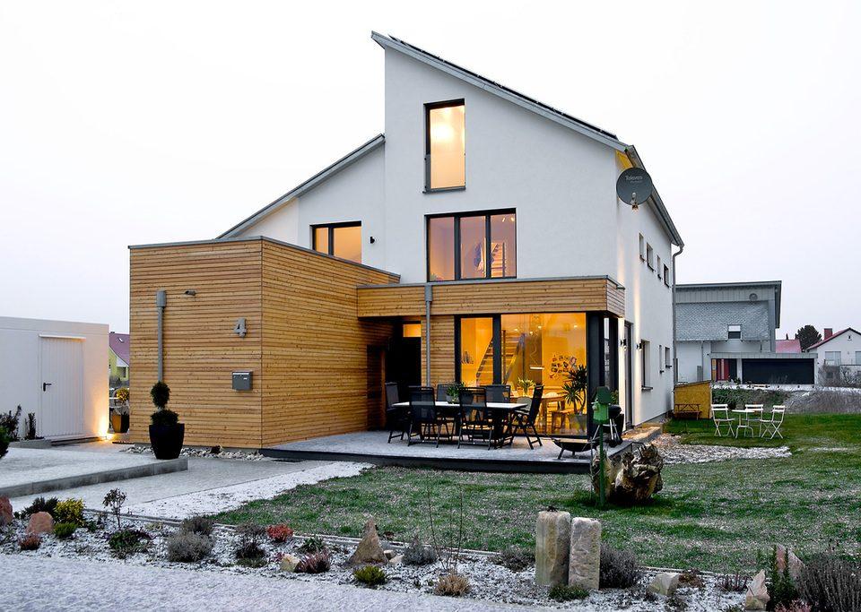 Németország, Schuttertal - kulcsrakész faszerkezetes házak és rönkházak készítése