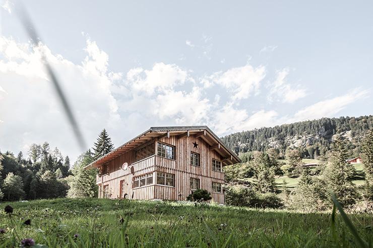 Németország, Oy-Mittelberg/Maria Rain - rönkházak építése