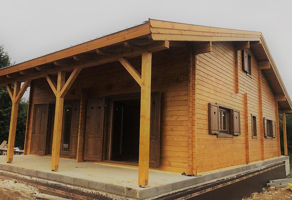 Románia, Gyergyószentmiklós, Verkauf Impex - hagyományos faházak gyártása